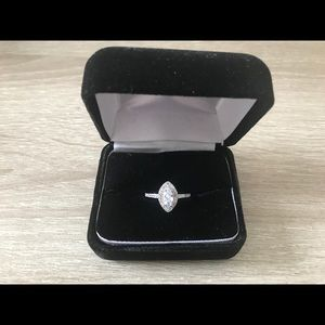 NWOT🤩Marquise Micro Pave Engagement Style Ring